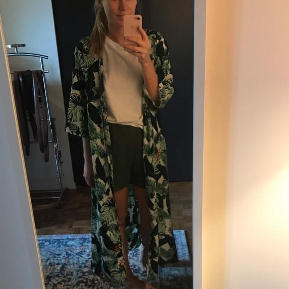 Rachel Zoe Jackets & Blazers - Rachel Zoe palm kimono